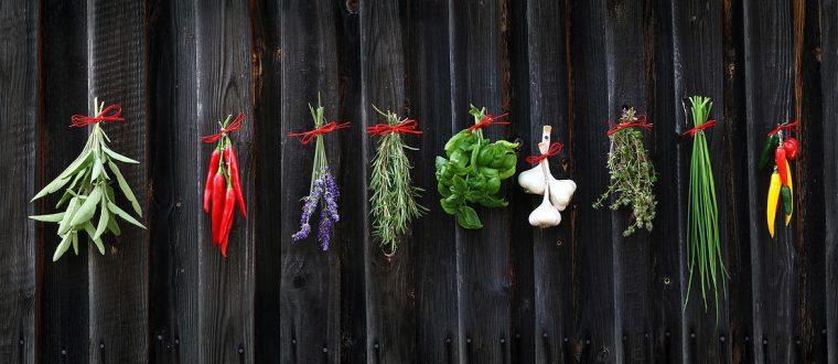 מדוע חשוב להשתמש בתבלינים טריים בבישולים?